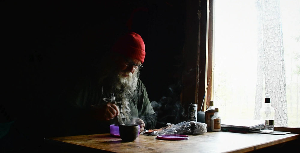 Seuraavaa tarinaa on hyvä pohtia kahvikupin äärellä.