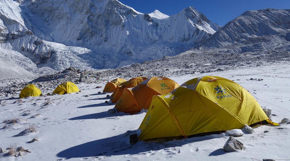 Basecamp Nepalissa 2014.