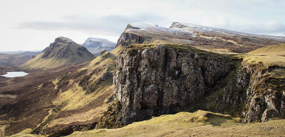 Quaraing ja jyrkät vuorenrinteet.