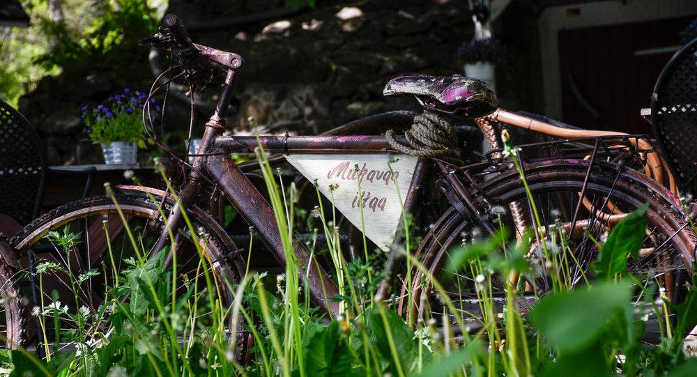 Hyvää illanjatkoa, sanoi pyörä.