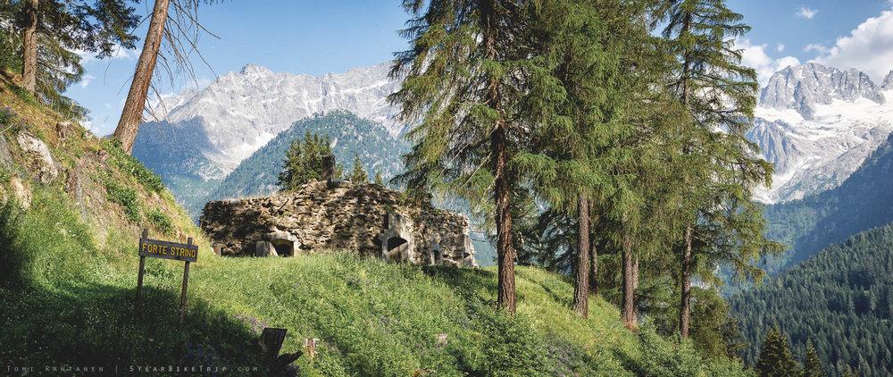 Itävaltalaisten 1860-luvulla rakentama Strinon linnake.