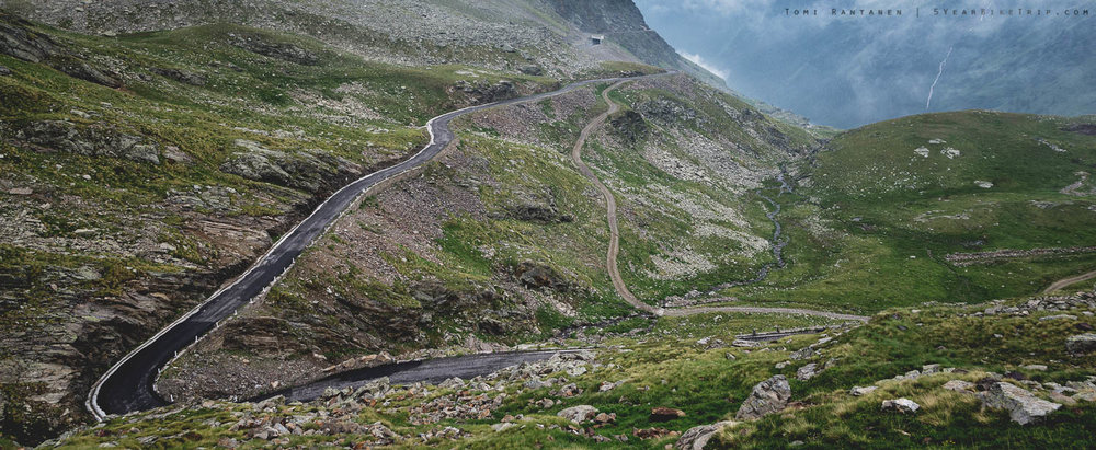 Passo Gavian eteläpuolen karu ja kivikkoinen tie.