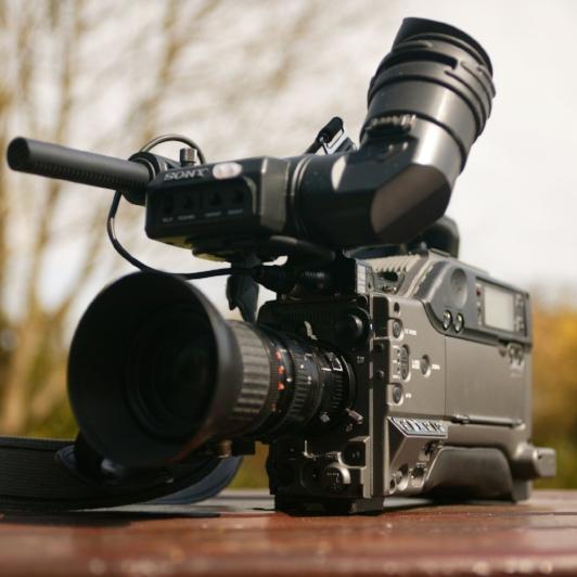 broadcast-camera-camcorder-camera-67654.jpg
