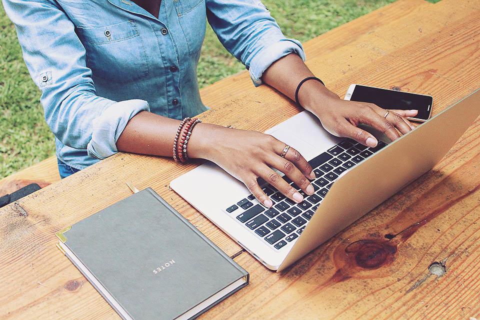 createherstock-RemoteOffice-Sebastien-gaudin.jpg