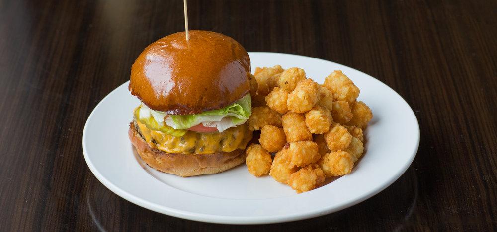 Classic Cheeseburger-1.jpg