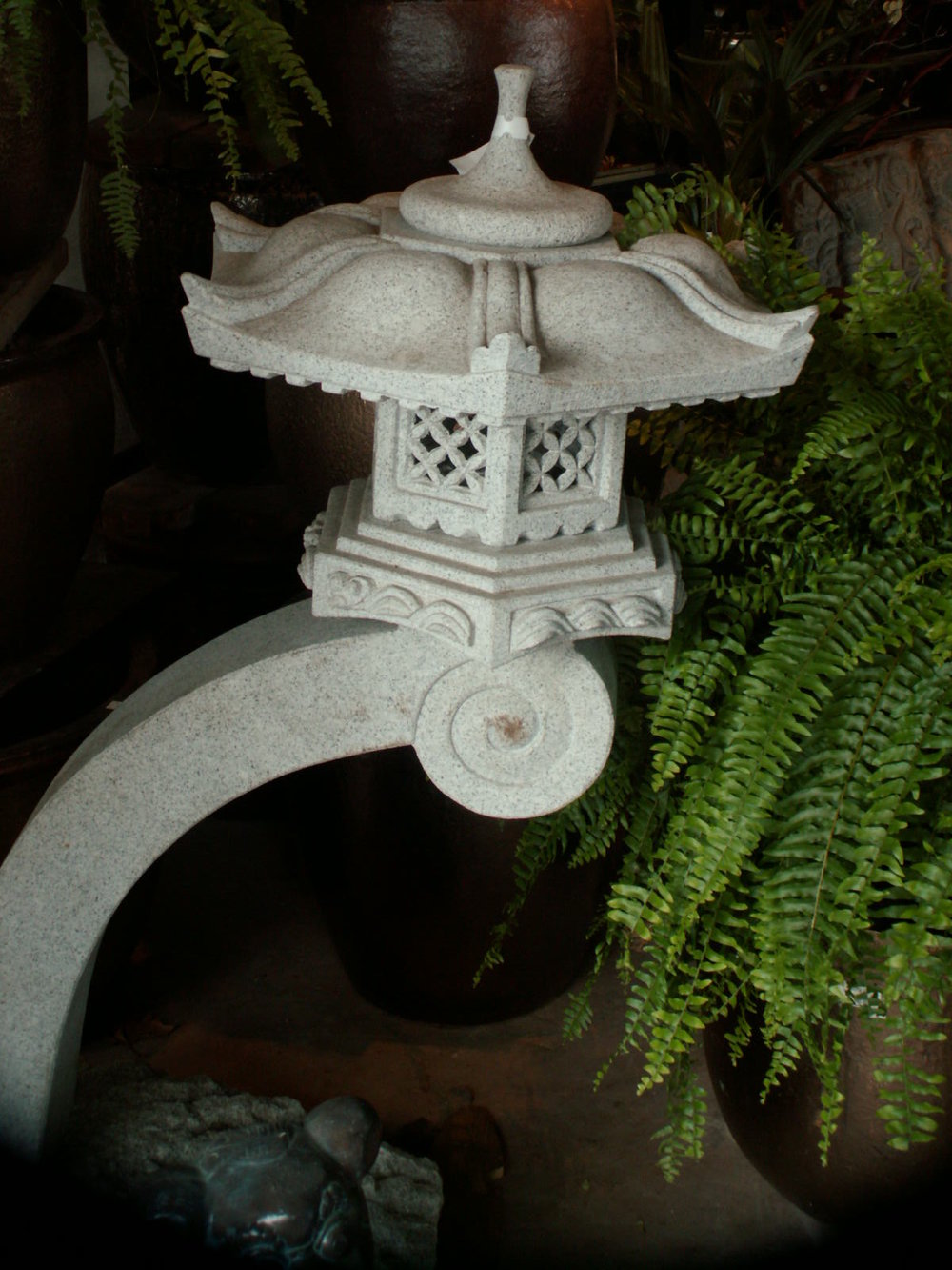 antique lantern.jpg