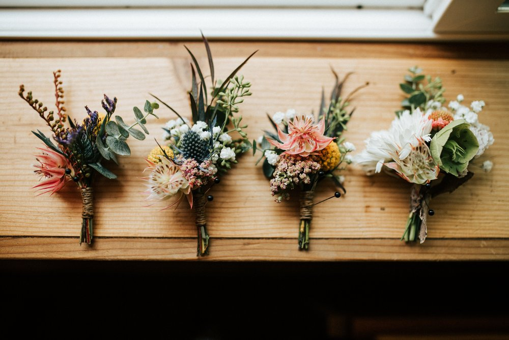 WEDDINGS & FLORALS -