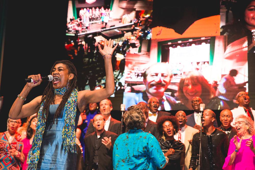 glide-gala-concert-singer.jpg