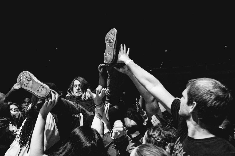 social-distortion-crowd-surf-the-masonic-sf.jpg