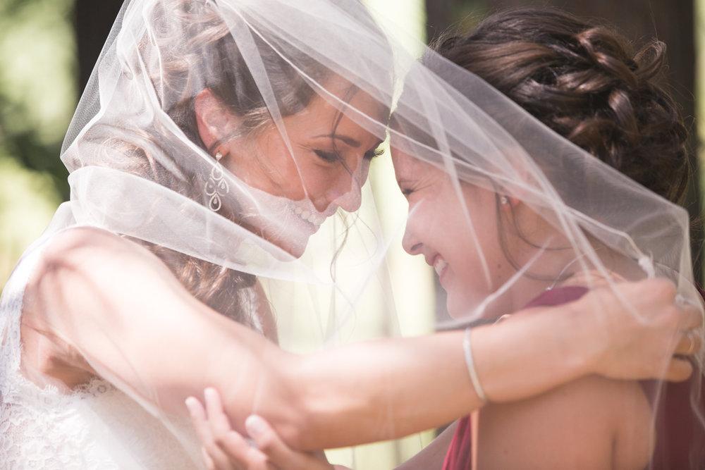 wedding-best-friends-under-veil.jpg