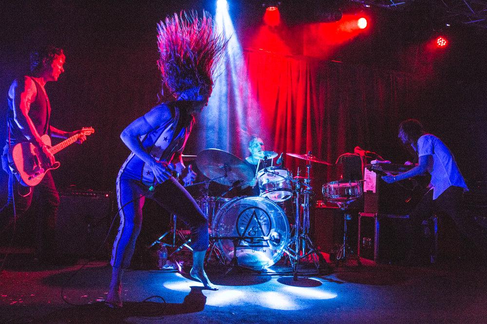 juliette-and-the-licks-live-music-show-berkeley-cornerstone.jpg