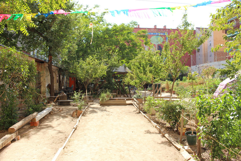 """Courtyard of """"Esta es una plaza.""""    Photo by Audrey Valbuena"""