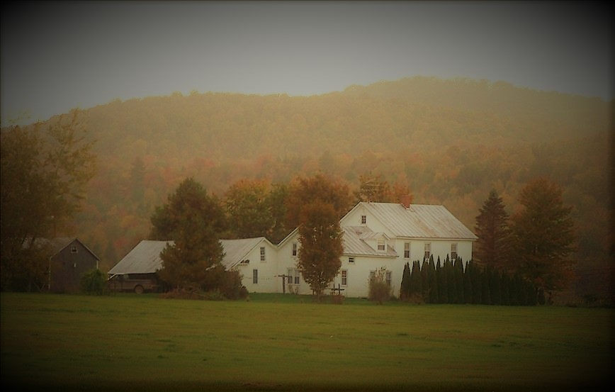 farmhouse fall picture.jpg