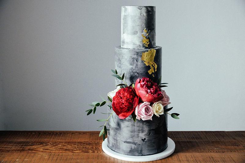 - 味蕾尖兒的每一個客製蛋糕都是依客人的喜好及需求設計創作,沒有公版蛋糕款式,也不會有一模一樣的蛋糕。