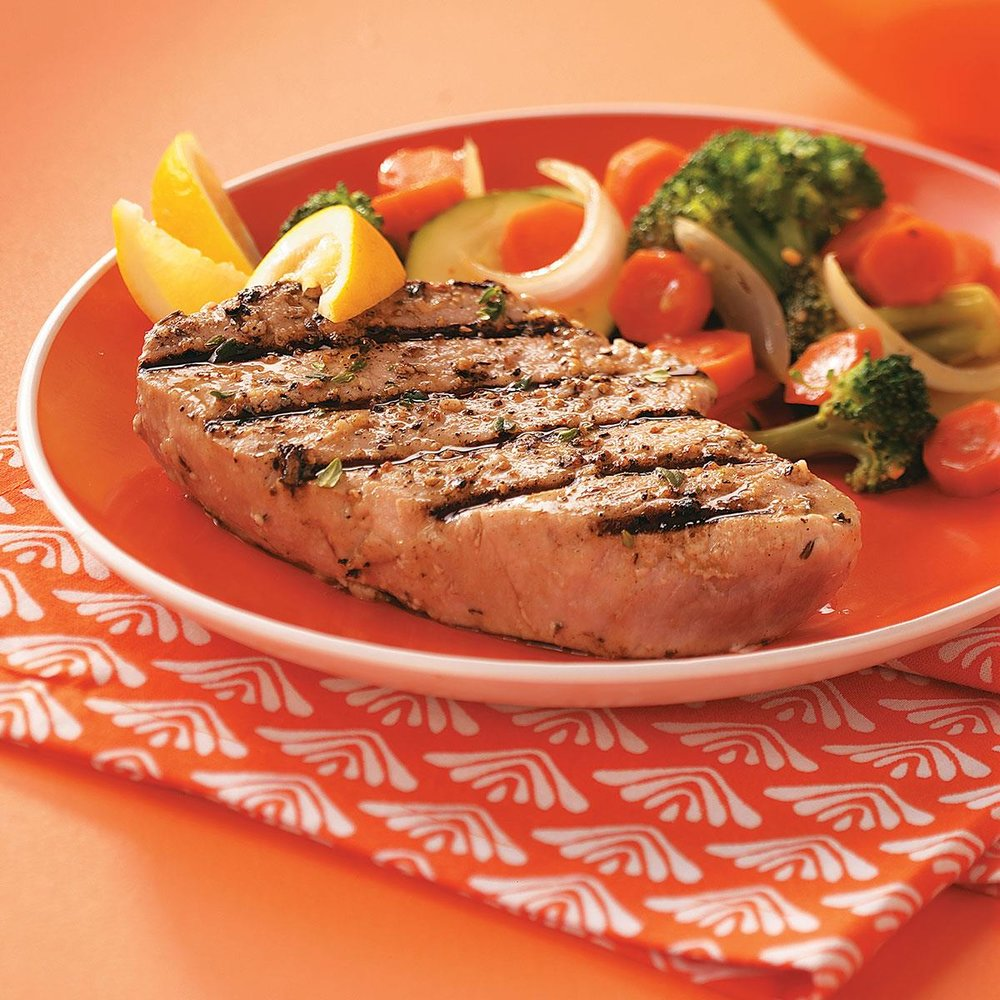 Garlic-Herbed-Grilled-Tuna-Steaks_exps44354_THHC1757659D03_17_4bC_RMS.jpg