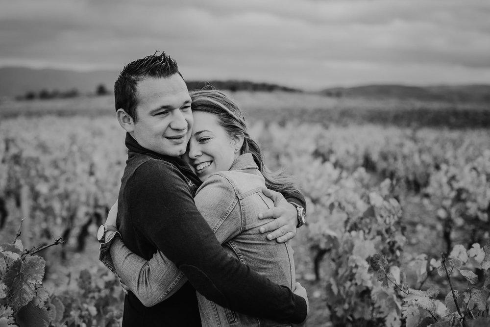 couple-vignes-beaujolais-automne-2.jpg