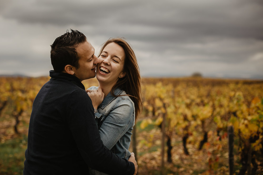 couple-vignes-beaujolais-automne-10.jpg