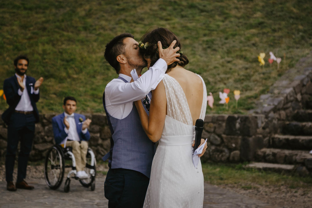 mariage-ceremonie-laique-cantal-ingold-17.jpg