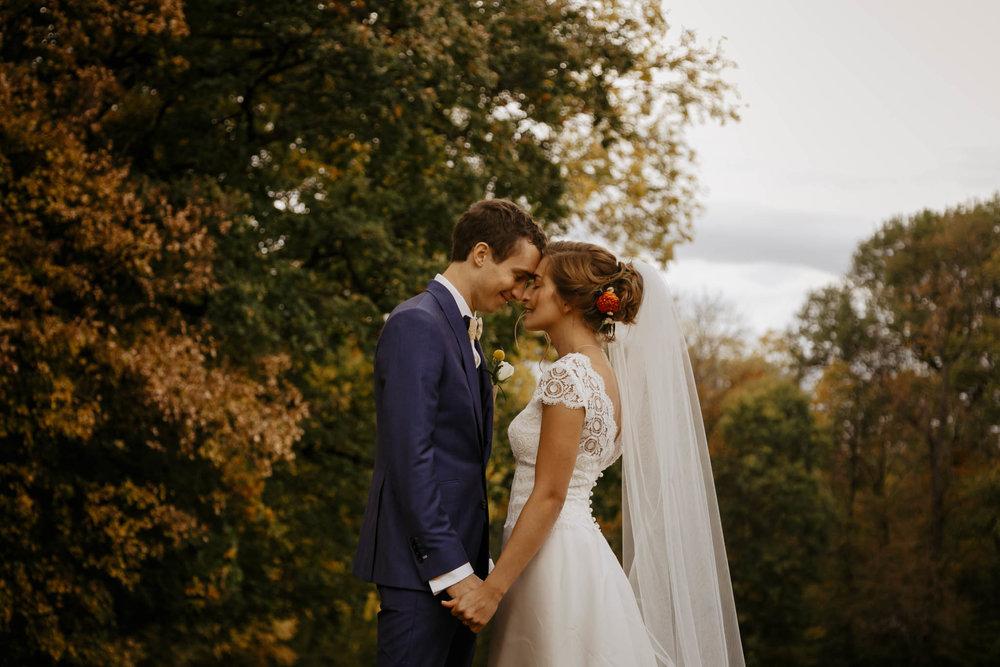 mariage-couple-chateau-janze-ingold-1.jpg