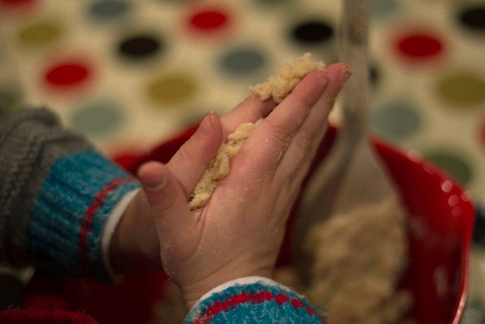 hands baking