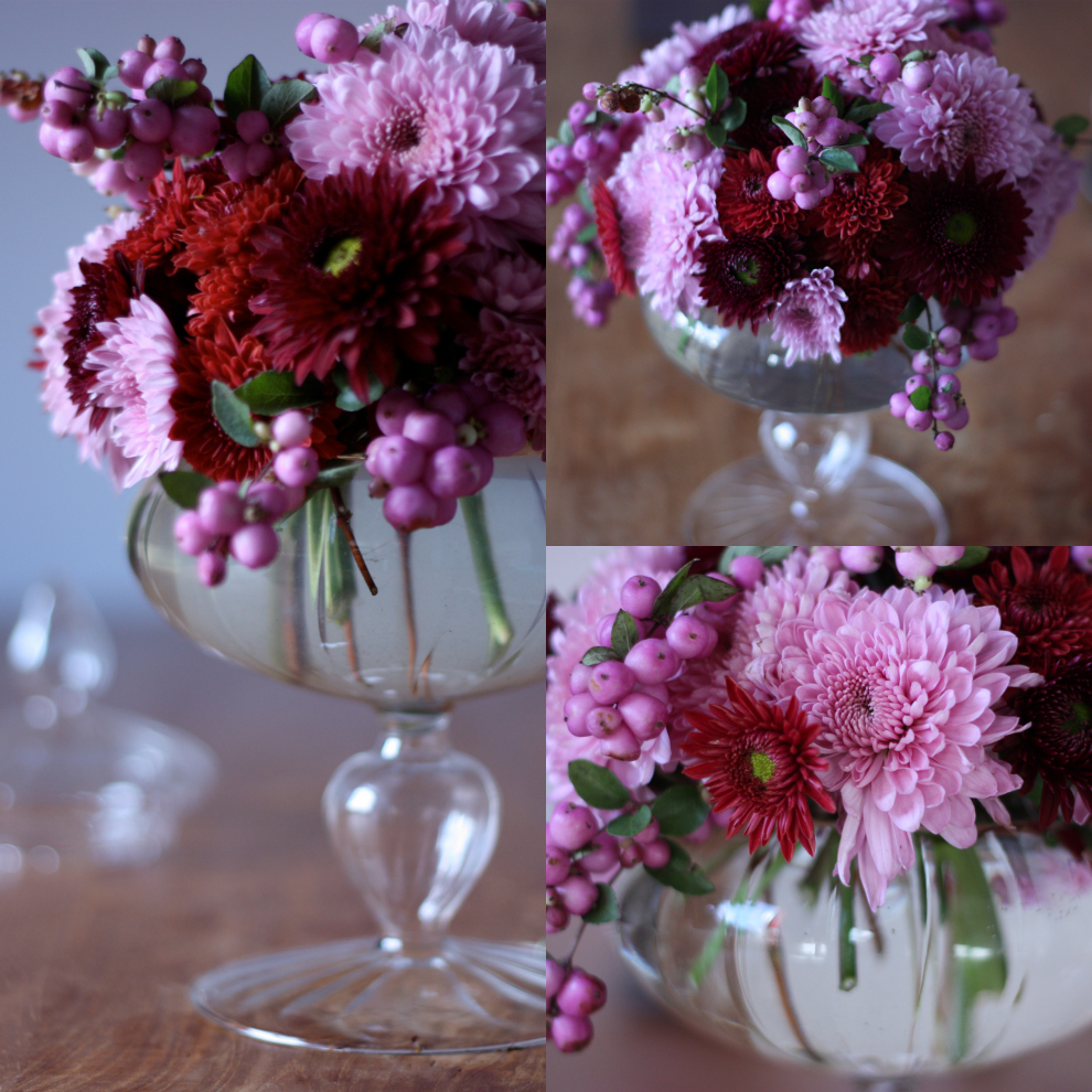 a_round_bouquet_of_red_and_pink_chrysanthemum