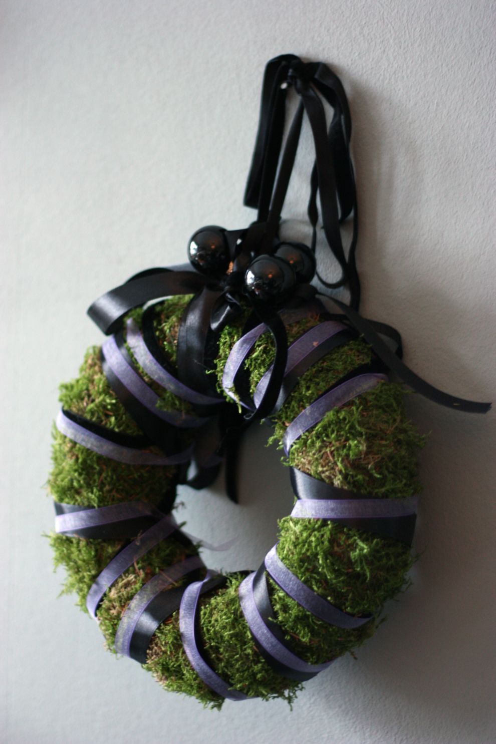 christmas_wreath_black_purple