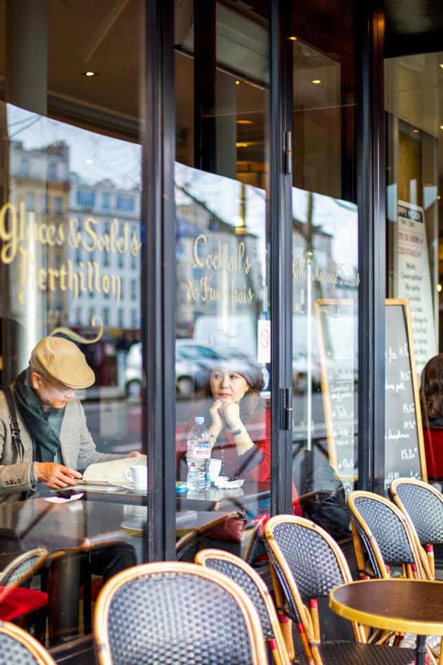 Paris-couple
