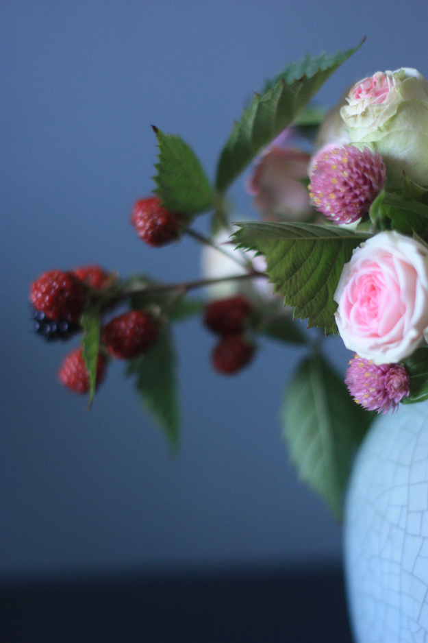bouquet_wild_berries_blue_vase.jpg