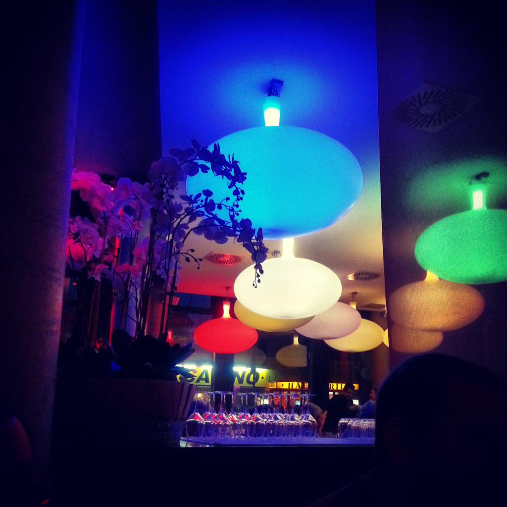 lamps_with_Samsung_Galaxy