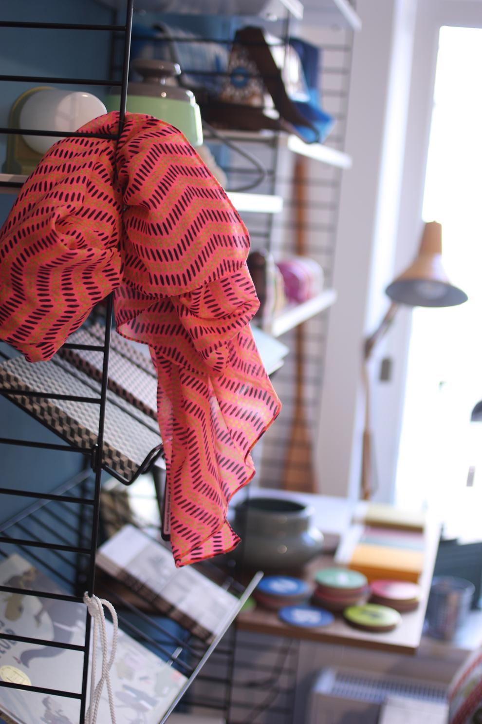 LIV_colourful_scarf