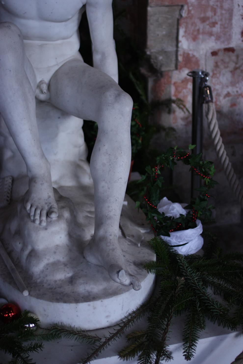Orangerie_Compiegne_statue