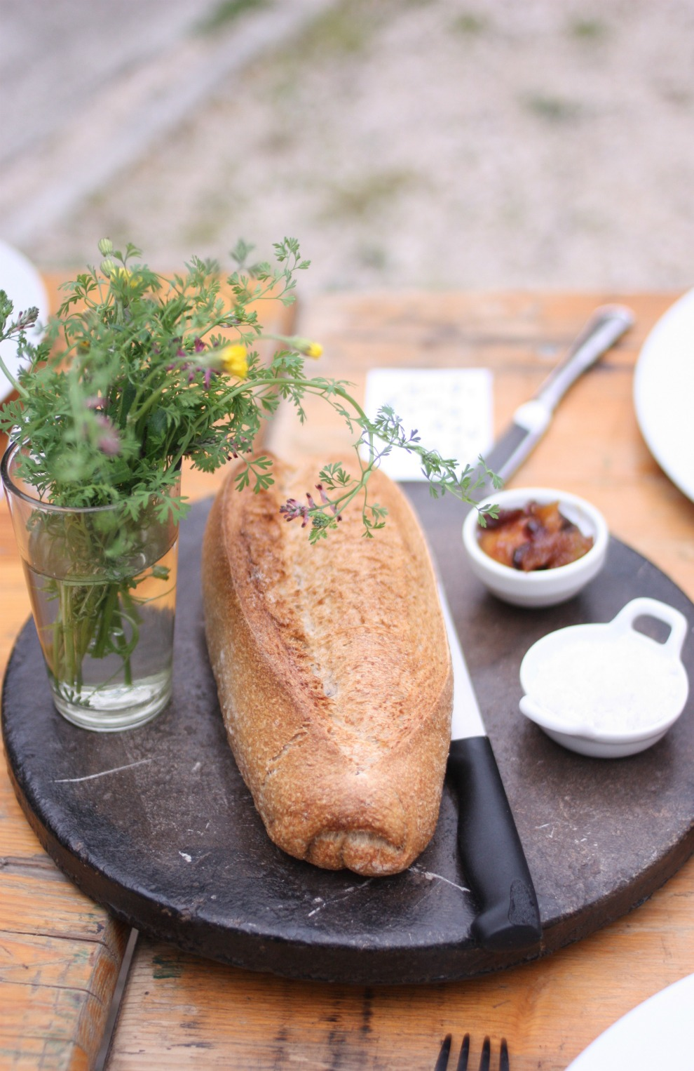 flowers and bread kinfolk table