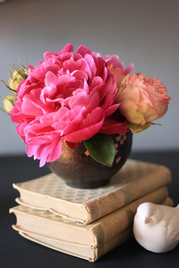 kenzan bouquet peonies