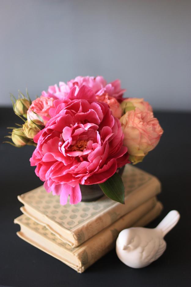 kenzan bouquet roses