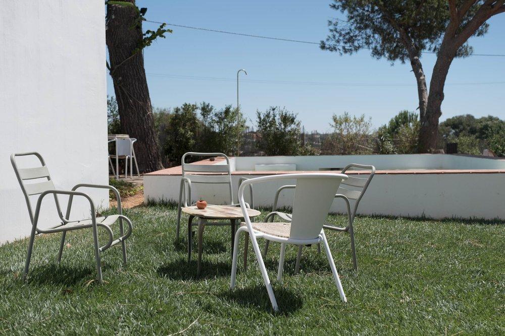 Casa-Modesta-exterior-Fiona-Burrage-Seats.jpg