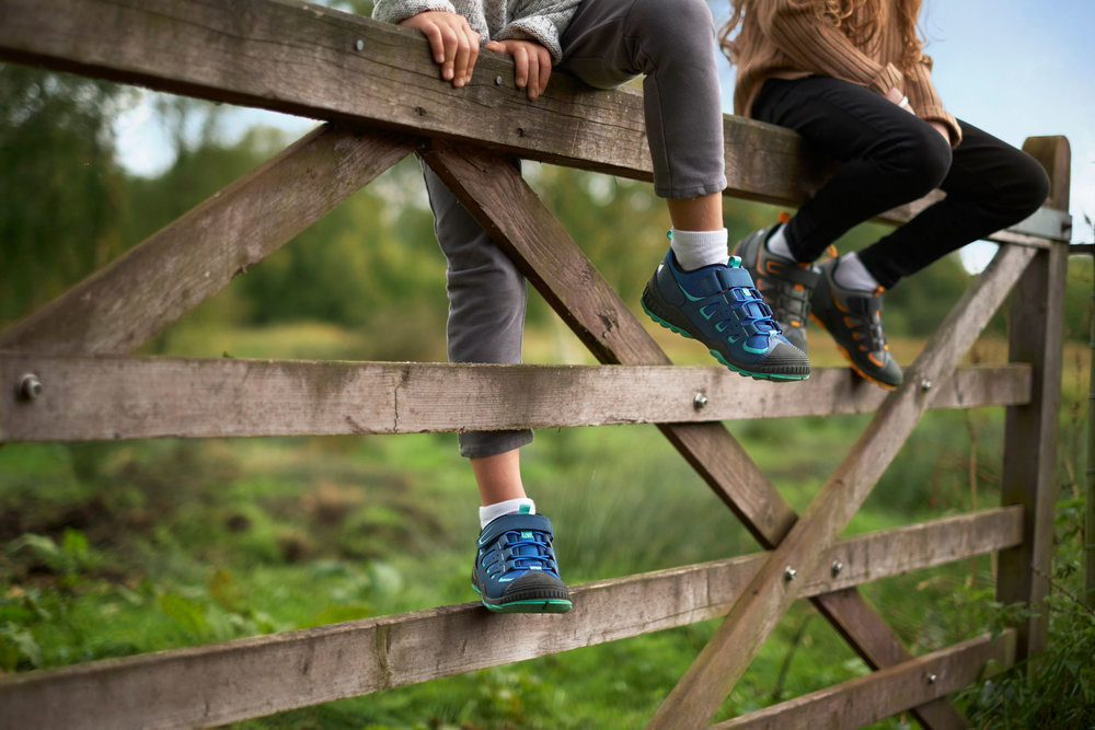 Start-rite-shoes-Fiona-Burrage-norwich-photographer-fence.jpg