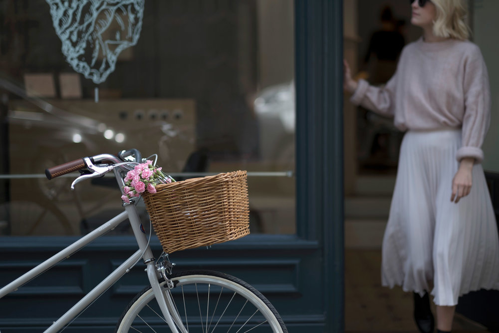 tokyobike-simple-minimal-norwich-fiona-burrage-photographer-flowers.jpg