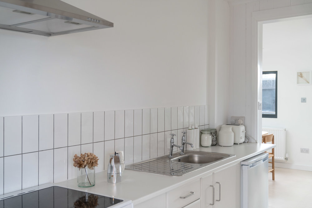 Nor-Folk-Stays-Norfolk-Cabin-Fiona-Burrage-Kitchen-Cooker.jpg
