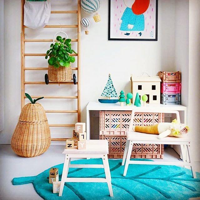 Sol, sol, sol.... og weekend. . @madebymowie . . #kidsroomdecor #kidsroom #danishdesign #handmade #njordbench #njordstool #kinderzimmer
