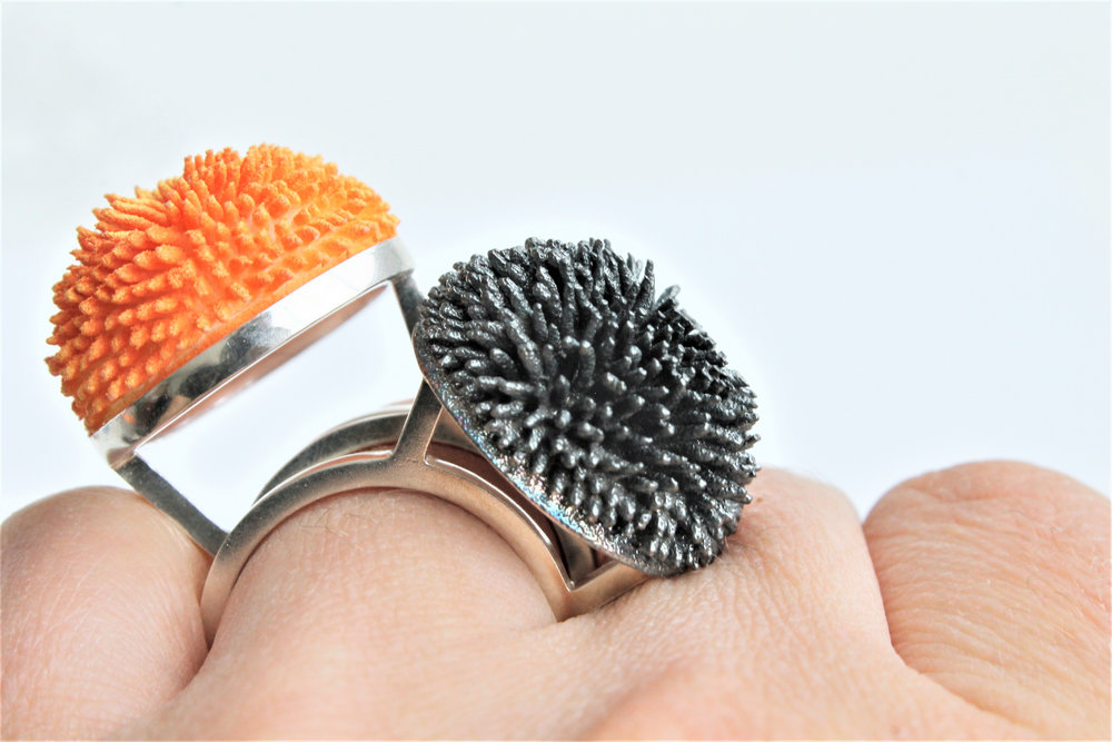 _Adrienn Pesti_Urban Interaction_2019_3Dprinted nylon_acrylic paint_sterling silver_on finger.jpg