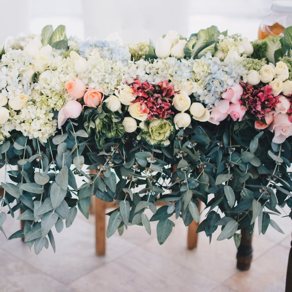 FLORISTRY   Our in house team can offer full floristry services, including designing floral arrangements to complement your overall event theme and installation at the venue.
