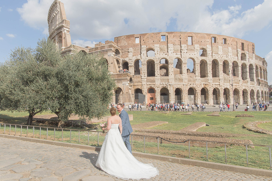 Norvegian Wedding Rome Colosseum.jpg