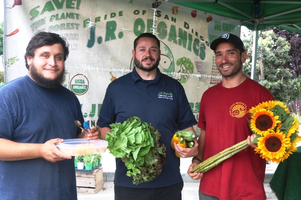 J.R. ORGANICS, A 5TH GENERATION FARM FAMILY, PERFECTS ITS PRODUCE