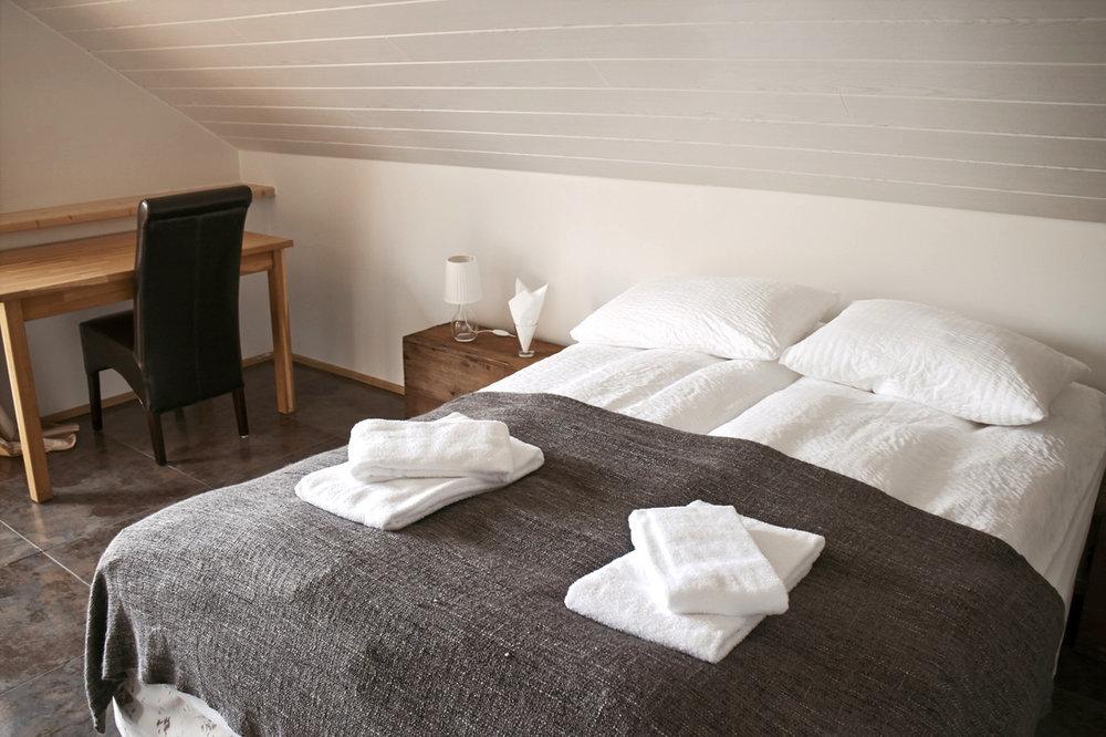 2 hotel-a.jpg