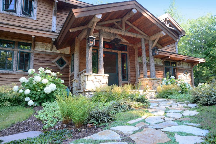 Lake-House-ext-2.jpg