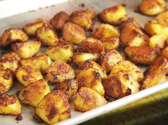 Extracrispy oven potatoes - This recipe doesn't need a description. Trust us, you just gotta try it. Here!