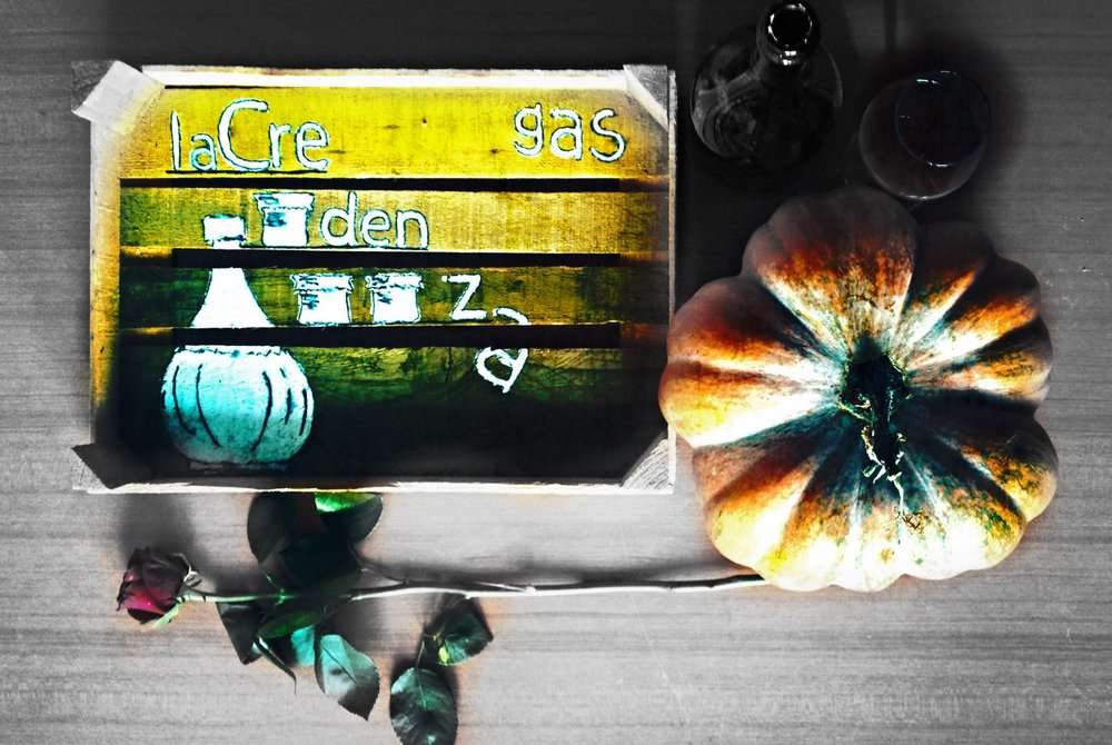 We have finally marched through the doors of November. It has taken us a few roasted pumpkins and heaps and heaps of roasted chestnuts, we cannot lie. And even if Halloween wasn't enough to scare you away, there is something else that might-the weather. The defense you have, corduroys and jumpers in all hues of brown, is not sure to hold. This is where the ASSG and the Condotta come to aid. Here are some events to keep the skies over our student lives clear.  The pub quiz has been a long-lasting tradition; and no, don't imagine the heated arguments about the future of gastronomy you are having around the dinner table, quite often caused by the participants' search for the veritas in the effects of aged in casks substances. It is another sort of event. Still held in a bar, though, but fueled mainly by your knowledge, competitive spirit, and team play. To sooth the booing voices in the background, there will be drinks (some 'stuzzichini' as well), so get your facts right and don't skim through your emails.  Aaah, Slow Food. It doesn't pass a day without us being reminded about them. You'd better stay attentive, though, cause the UNISG's Condotta keeps coming up with new events. In other words, check your inboxes with the regularity you do your Instagram feeds.