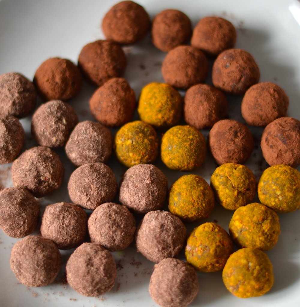 Chocolate Truffles - These truffles are so good, great as a snack or for a sweet tooth craving, they are super healthy and so easy to make! Give them a try. Click HERE for the recipe.