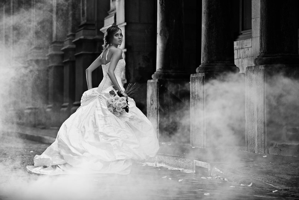 CLASSIC FASHION PHOTOGRAPHY - WEDDING DRESSES