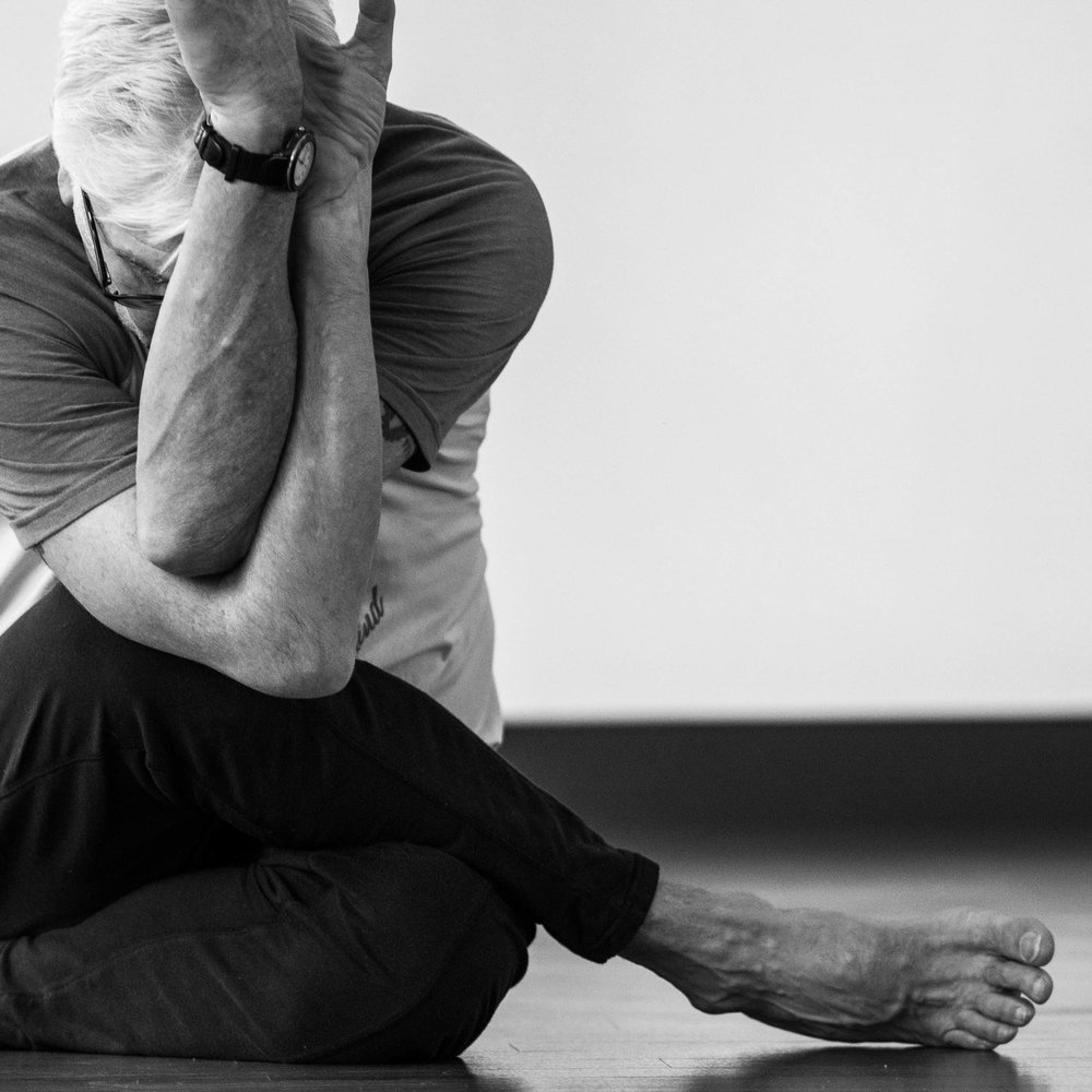 Yin yoga is an ancient tradition that utilizes longer holds to create profound changes within the deeper tissues of the body. Enhance mobility, improve energy flow, and evolve your mental focus with this beautiful slow practice designed for the accessibility of all levels of practitioner.